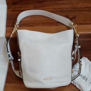 NWT Michael Kors Brooke Medium Bucket Messenger